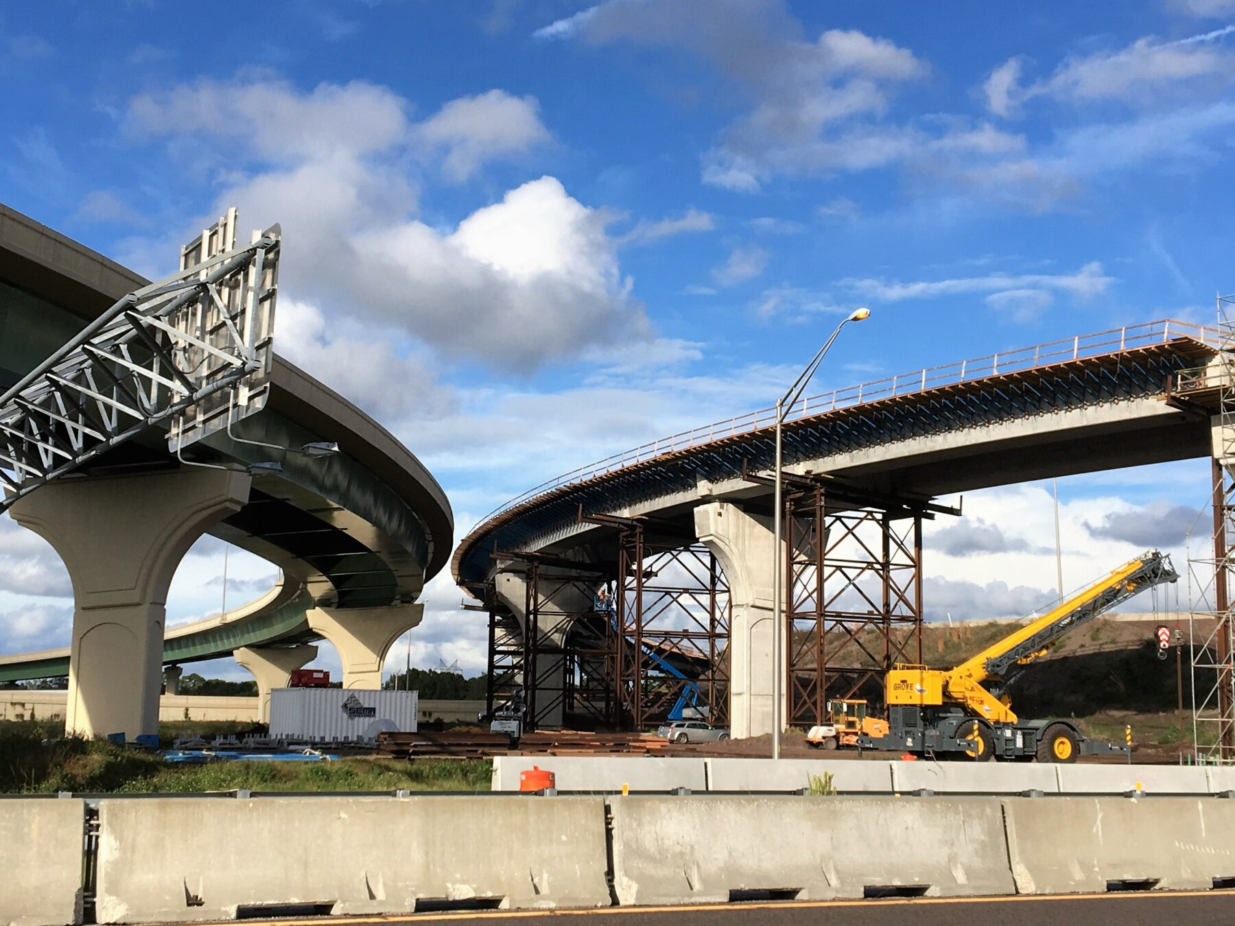Construction of State Road 417 flyover ramps along State Road 408